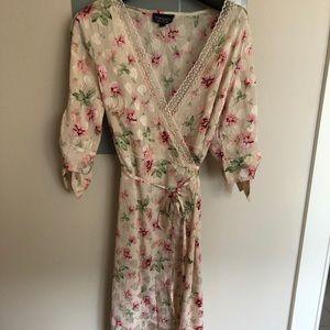Topshop Floral Wrap Midi Dress Size US 2